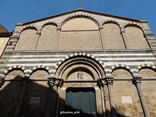 Chiesa di San Michele Arcangelo: facciata