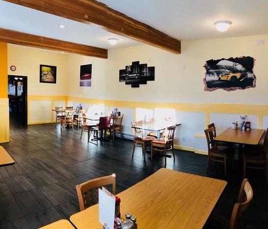Beny's Diner: Inside Beny's
