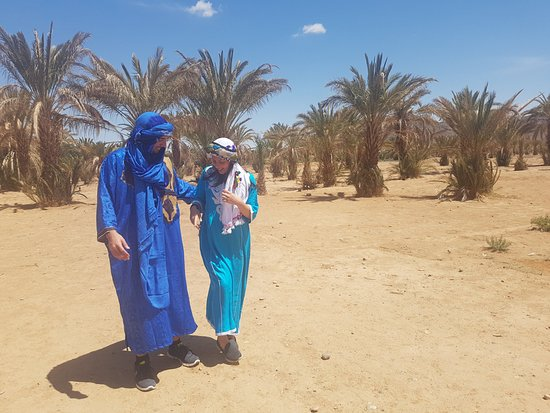 Desert Morocco Adventure: Berber outfits