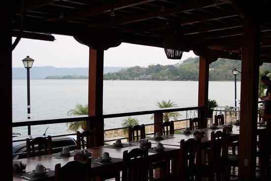 Hotel Santana: restaurant van het hotel; een pracht plek om te ontbijten en dineren