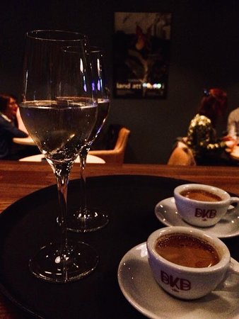 Vågal kaffe- og vin: After dinner - bubbles and espresso