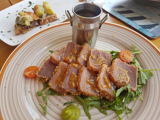 5illes Eat & Drink ( Avenida ) Main street : tataki de atun
