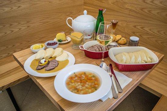 christmas restaurant traditional czech dinner degustation
