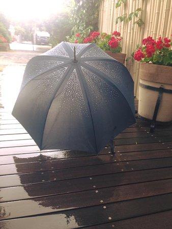 Bagno Oreste: piove a volte