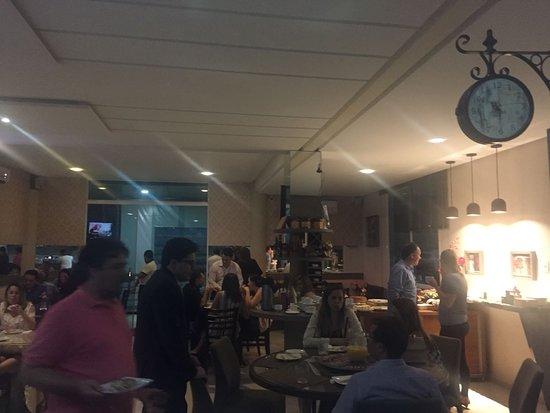 Giulietta Cafe, Pasto & Pizza : Salão principal