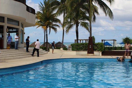 The Reef Coco Beach: mooi verzorgd zwembad