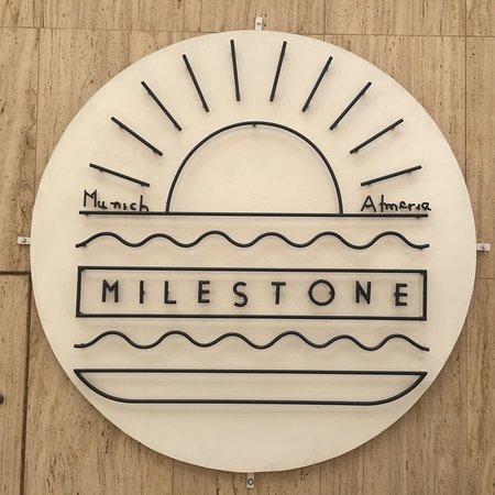 Milestone Restaurant and Bar: Milestone Restaurante y Bar