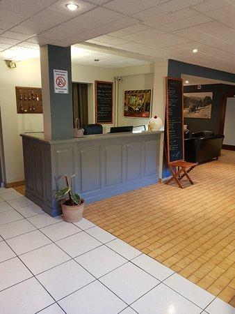 Hotel Le Brunet: hall/réception