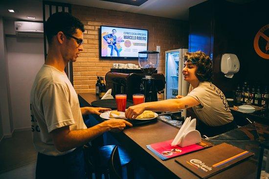 Espirito Cacau Chocolateria: Cafeteria e Lanches