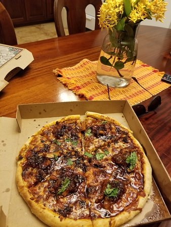 Driftwood Beach Bar & Pizza Shack: BBQ Chicken Pizza