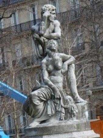 Statue Le Crepuscule