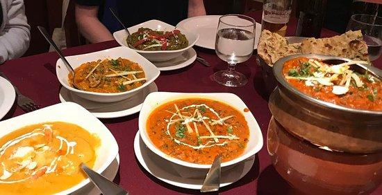 Delhi Darbar: Most of our dishes ... Yummy!