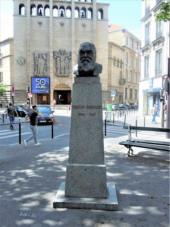 Buste de Tristan Bernard