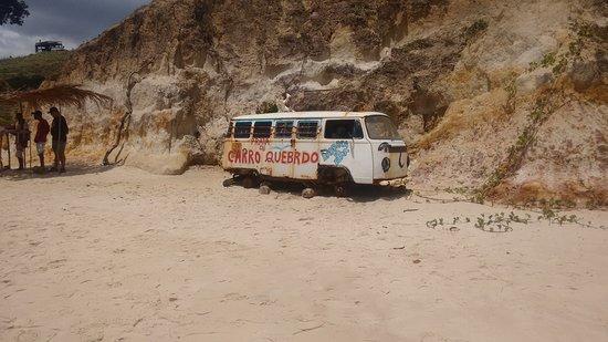 Carro Quebrado Beach: Praia do carro quebrado