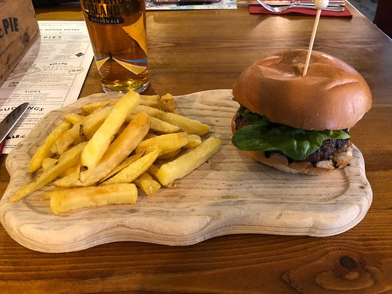Fuller's Pie and Ale House: Burger
