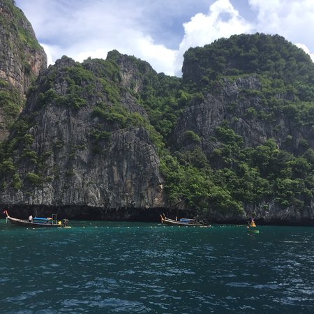 Фотография Small-Group Sunrise Tour to Phi Phi Island from Phuket