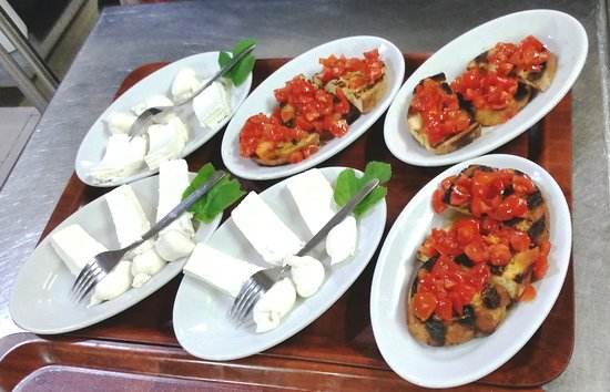 Masseria Pisciani: formaggi freschi e bruschette
