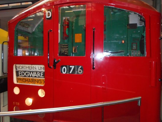 London Transport Museum: a old tube train