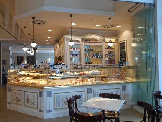 Cafe-Konditorei Aida: кафе- кондитерская Kreutzkamm в Галерее Альтмарк