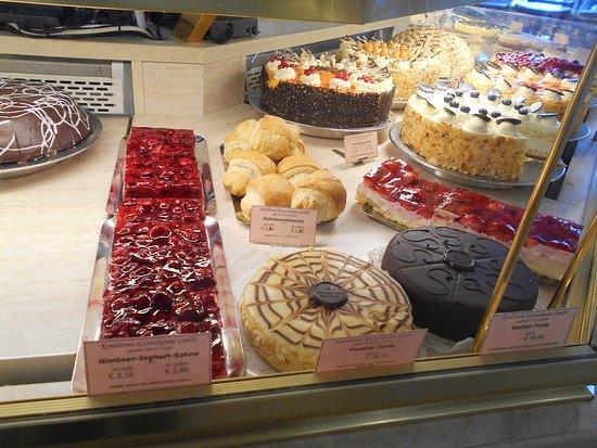 Cafe-Konditorei Aida: торты, кексы в кондитерской Kreutzkamm
