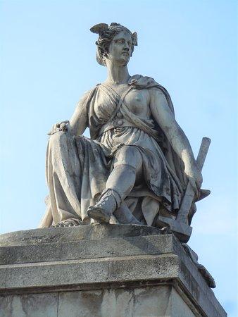 Statue L'Industrie