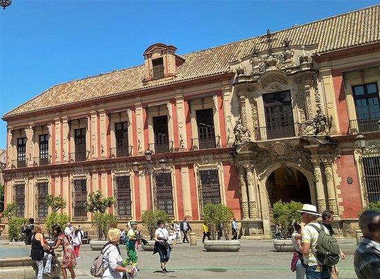Palacio Arzobispal: Portada Principal