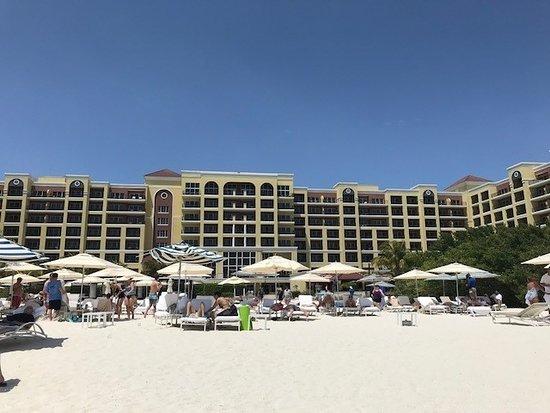 The Ritz-Carlton, Aruba : view from beach
