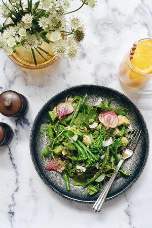 Scarlett Green : Baby Gem & Broccoli Salad