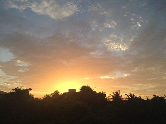 Pousada Muiraquita: Pôr do sol na pousada