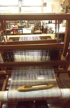 Arts & Crafts Village : Weaving machine