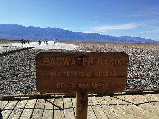Badwater: 85,5 Meter unter dem Meereslevel