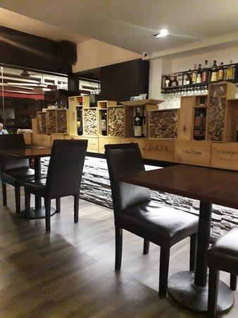 Fratini La Trattoria: interior of restaurant