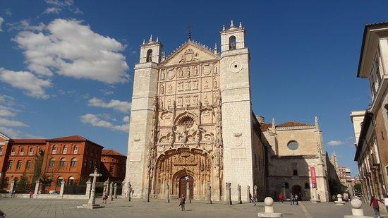 Hotel Abadia Retuerta Le Domaine: Conjunto Monumental de la Iglesia de San Pablo , Palacio Pimentel y Museo de Escultura,tres joya