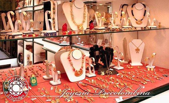 Esmeraldas and Disenos Jewelry: Elaboramos réplicas de figuras precolombinas en baño de oro, plata y oro