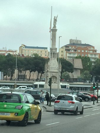 Plaza de Cibeles: Going around Madrid