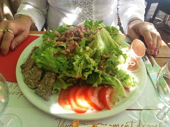 Montclus, Γαλλία: salade Murier