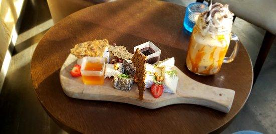 Mulaberg Bistro & Bar Photo