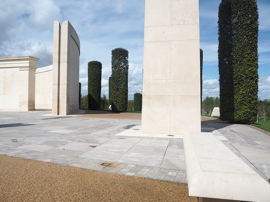 National Memorial Arboretum : Alrewas Memorial