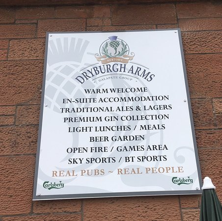 Dryburgh Arms Pub with Rooms: Outside View