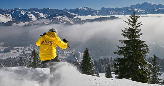 Private lessons in the beautiful ski area of Les Gets
