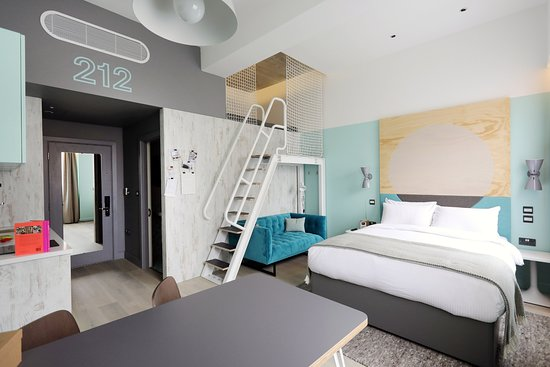 room2 Southampton: Den- Cosy and comfortable, just like your favourite jumper. The perfect choice for a short escap