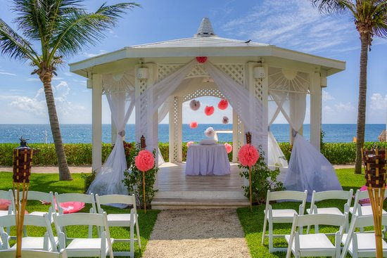 Gazebo at Ocean Coral & Turquesa