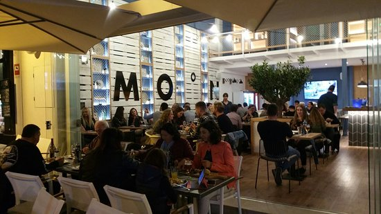 Moon Bar & Restaurant: Moon Bar Restaurante