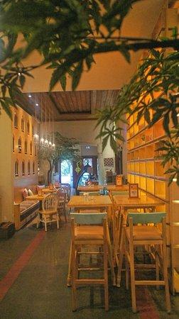 Hummingbird Eatery Bandung
