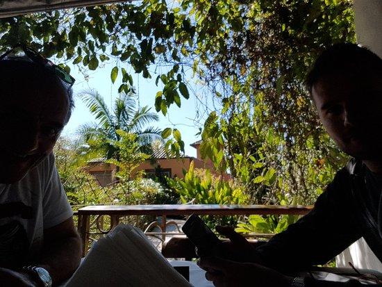 Restaurante O Garimpo - Embu das Artes (Vista Externa)