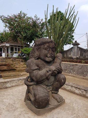 Penataran Temple: 20180510_121402_large.jpg