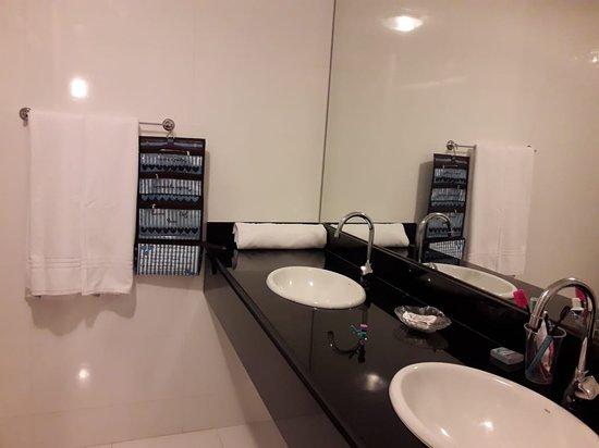 Pousada Marbella: Banheiro