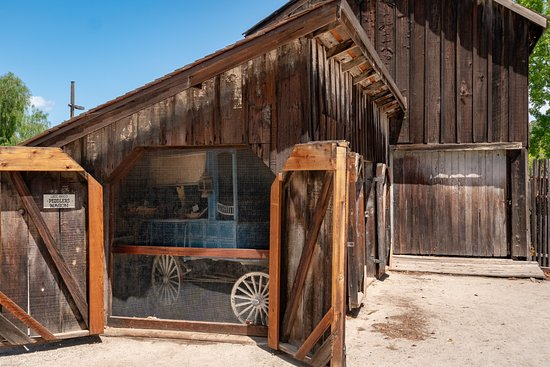 Sonoma State Historic Park: Stables at rear of park