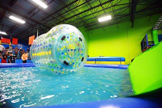 Jumping World: Water Walking Ball