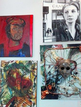 พิพิธภัณฑ์เอราร์ตา และพื้นที่แสดงศิลปกรรมร่วมสมัย: Из галерея автопортретов